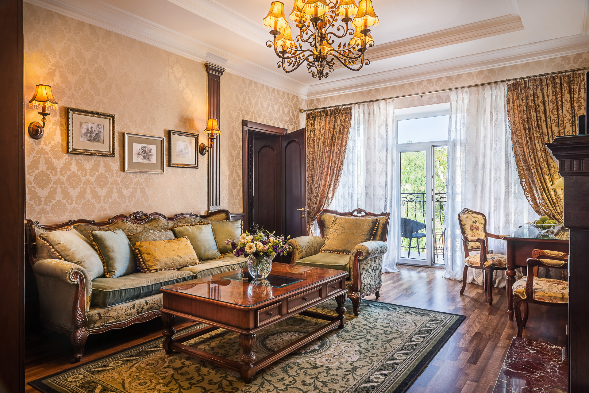 English Style Sophie Suite Frederic Koklen Boutique Hotel